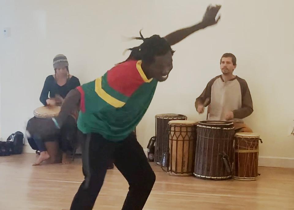 Etienne Tolno dancing